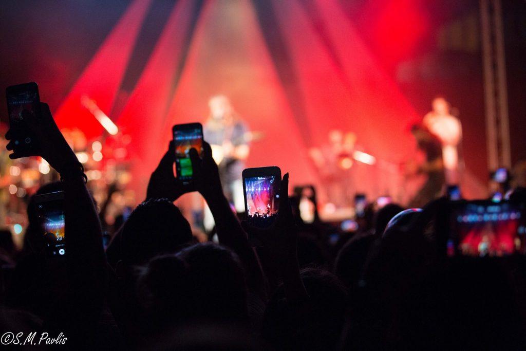 Αποτέλεσμα εικόνας για συναυλια κινητο